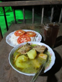 Sancocho, rice and lemonade (Colombian style)